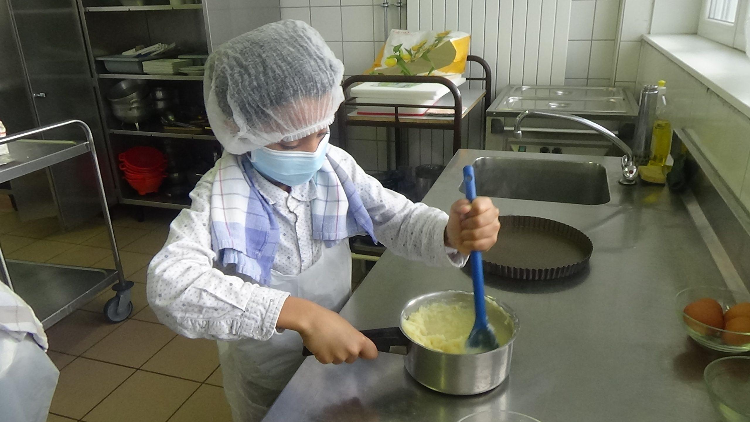 Une leçon de cuisine avec Madison